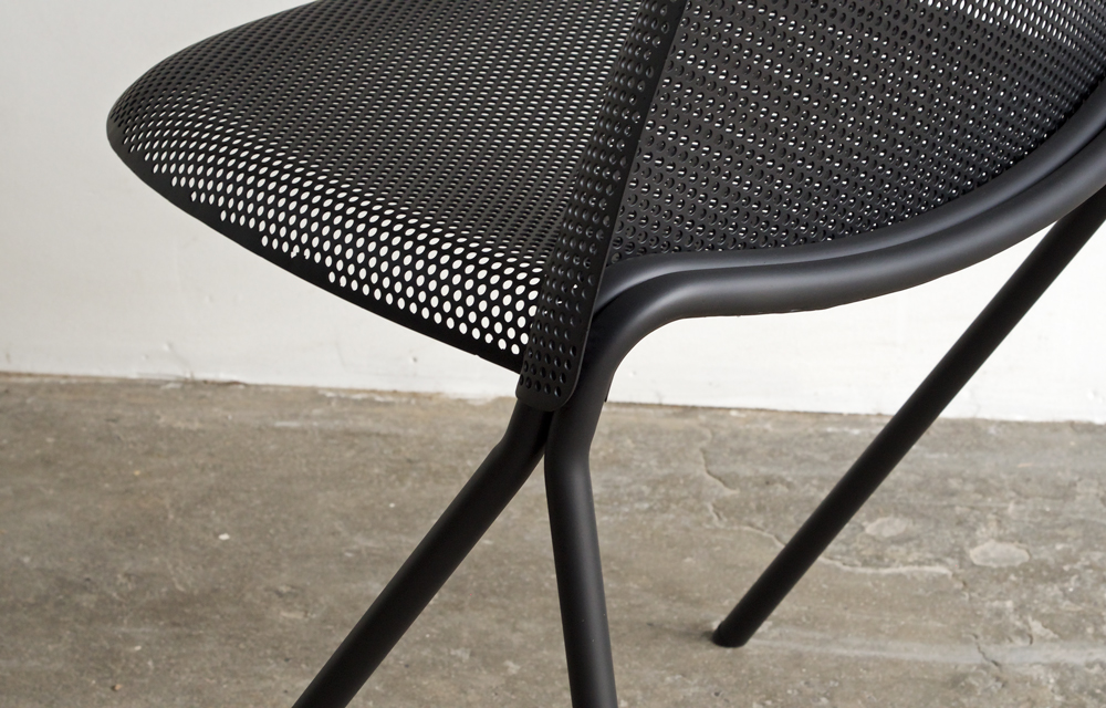 volume-chair_black-detail-01