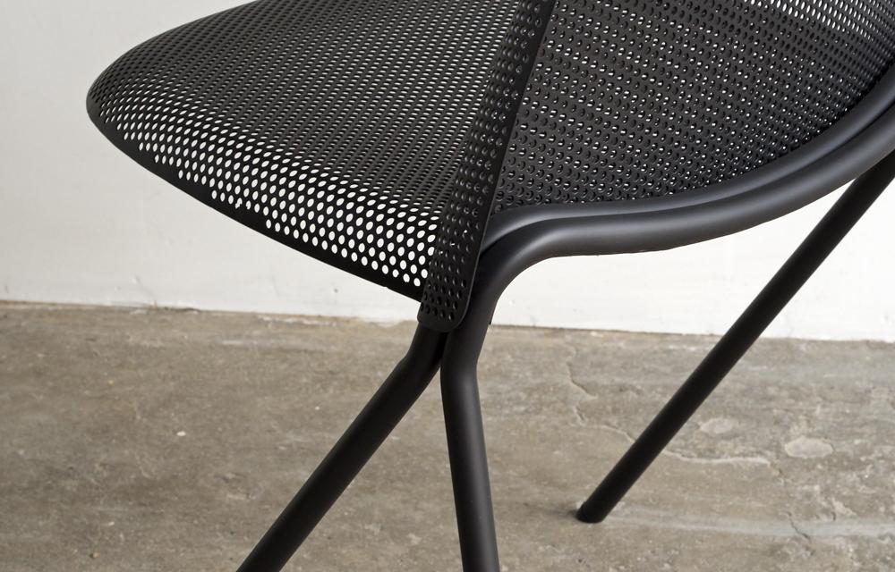 volume-chair_black-detail-01