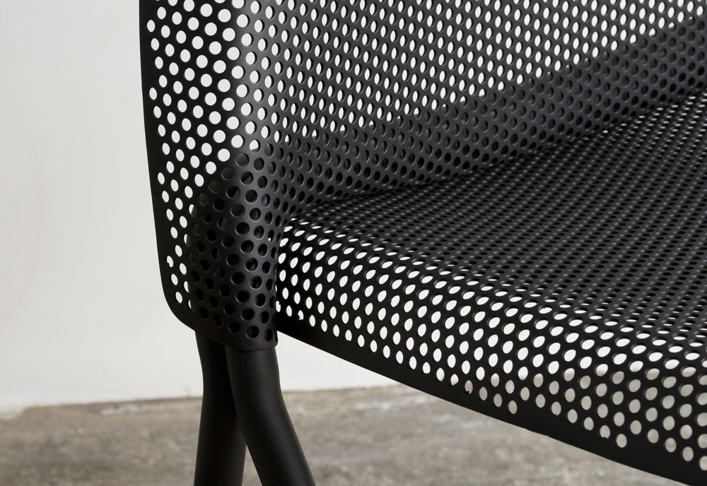 volume-chair_black-detail-02
